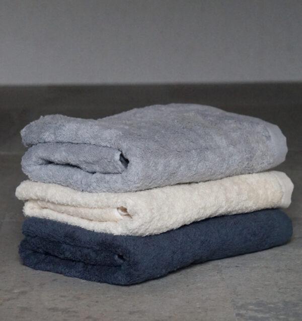水布人舎 肌着の糸でつくったタオルバスタオルの画像