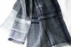 ウールかわり織りマフラー ネイビー