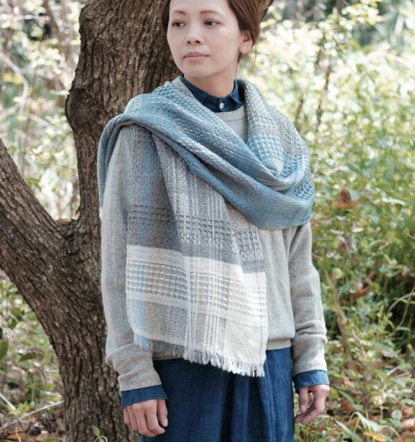 ウール かわり織りマフラー ライトブルー
