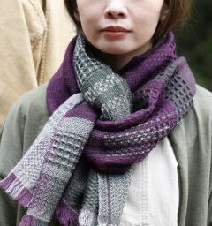 かわり織りマフラー 着用画像