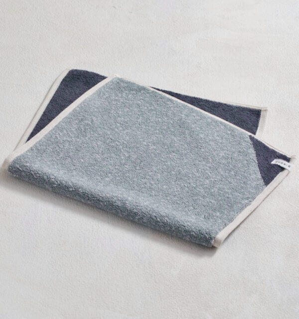 CUON:E クオンイー サファイス リバーシ バスマット チャコール 商品単体画像